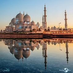 Get the Dubai answers you need. Ask the Dubai questions you want. Your most frequently asked questions on Dubai answered. Abu Dhabi, Beautiful Mosques, Beautiful Buildings, Best Vacations, Vacation Trips, Vacation Spots, Wonderful Places, Beautiful Places, Travel Around The World