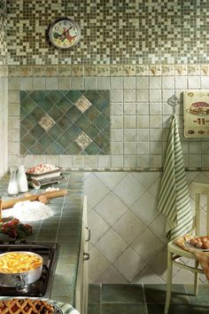 Credence cuisine cuisine and murals on pinterest for Specialiste du carrelage