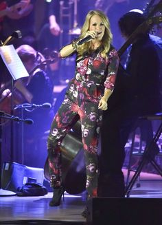Pin for Later: Pregnant in Heels: 30 Stiletto-Wearing Celebs Carrie Underwood The country crooner managed to wear some sparkly booties and put on an amazing performance this past September.
