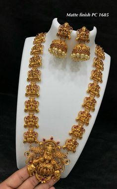 Temple jwalary 1 Gram Gold Jewellery, Gold Temple Jewellery, Gold Jewellery Design, Gold Jewelry, Jewelry Model, Jewelry Patterns, Necklace Designs, Indian Jewelry, Bridal Jewelry
