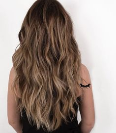 15 Stunning Images of Balayage Brown Hair That Make Us Want to Call Our Colorist - Couleur Cheveux 01 Hair Lights, Brown Hair Shades, Brown Blonde Hair, Light Brown Ombre Hair, Long Brown Hair, Hair Dye Balayage, Dark Brown Hair With Highlights And Lowlights, Light Brown Hair Colors, Brown Hair Inspo