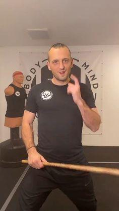 Krav Maga Self Defense, Self Defense Moves, Self Defense Martial Arts, Martial Arts Weapons, Martial Arts Styles, Martial Arts Techniques, Self Defense Techniques, Best Martial Arts, Mixed Martial Arts Training