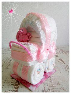 Kinderwagen Stroller aus Windeln rosa Ente von BabyShoeandmore auf Etsy https://www.etsy.com/de/listing/578121982/kinderwagen-stroller-aus-windeln-rosa