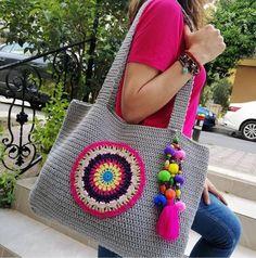 Bag Crochet, Crochet Handbags, Crochet Purses, Embroidery Patterns, Knitting Patterns, Crochet Patterns, Unique Crochet, Crochet Mandala, Knitted Bags