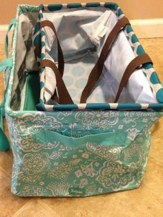 Thirty-One: Comparison of the Large Utility Tote inside the Deluxe Utility Tote! Thirty One Party, Thirty One Gifts, Thirty One Uses, Thirty One Consultant, Independent Consultant, Thirty One Organization, Thirty One Business, Large Utility Tote, 31 Gifts