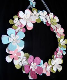 Flower wreath using the cricut! cute, cute, cute!