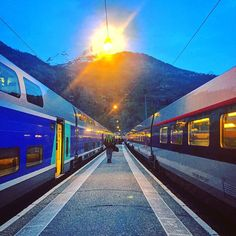 Terminus Savoyard - Gare SNCF - Bourg-Saint-Maurice  #SNCF #PhotoSNCF #Gare #BourgSaintMaurice #Quai #Savoie #Alpes #FrenchAlps #France #IgersSavoie #Ski #Snow #Tarentaise #TGV #Train #EarlyMorning #Beautiful #Colors #Landscape #Travel #April2016