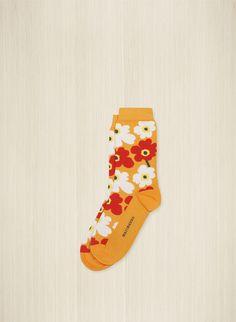 Puuvillasekoitenilkkasukissa on pienten unikoiden kirjoma kuosi. Marimekko, Christmas Stockings, Socks, Colours, Holiday Decor, Fall, Clothes, Shopping, Fashion