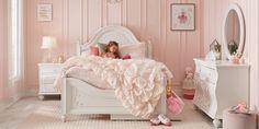 Girls White Bedroom Set, Girls Bedroom Furniture Sets, Toddler Bedroom Sets, Girls Princess Bedroom, Disney Princess Room, Big Girl Bedrooms, Kids Bedroom, Elegant Girls Bedroom, Kids Furniture