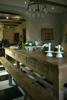 Bench seating around a farm house table....THIS IS WHAT I AM TALKING ABOUT!