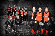 Cool softball team portrait--would make a great banner for the dugout!