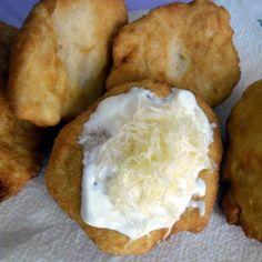 kefíres-hűtős lángos Kefir, Mashed Potatoes, Food And Drink, Cheese, Ethnic Recipes, Whipped Potatoes, Smash Potatoes