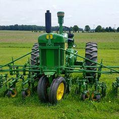 JOHN DEERE 730 Diesel with Cultivators