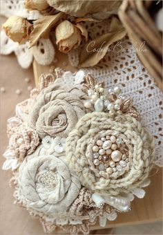 Excellent diy flowers detail are offered on our web pages. Read more and you wont be sorry you did. Cloth Flowers, Shabby Flowers, Lace Flowers, Crochet Flowers, Fabric Flowers, Textile Jewelry, Fabric Jewelry, Brooches Handmade, Handmade Flowers