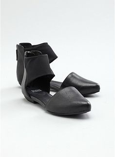 black flat sandal in leather and stretch mesh #eileenfisher