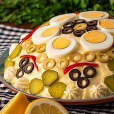 Cea mai cautata salata! Romanian Food, Food Quotes, Food Packaging, Food Design, Diy Food, Food Truck, Street Food, Food Art, Food Videos