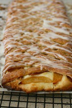 Spiced Apple Cream Cheese Danish Braid – Annie's Eats Just Desserts, Delicious Desserts, Yummy Food, Health Desserts, Brunch Recipes, Breakfast Recipes, Dessert Recipes, Apple Danish, Cream Cheese Danish