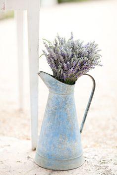 Beautiful Lavender Wedding Inspiration - Want That Wedding - Want That Wedding