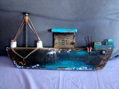 7 Driftwood Projects, Driftwood Art, Beach Crafts, Diy And Crafts, Scout Activities, Boat Art, Wood Boats, Wood Creations, Salvaged Wood