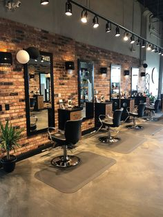 Hair Salon Daniela | Altamonte Springs, FL has some serious salon style. Want to transform your salon? Enter the Salon Today Total Makeover. Submissions close on Dec. 14, 2018! Hair Salon Interior, Barber Shop Interior, Barber Shop Decor, Salon Interior Design, Interior Design Inspiration, Hair Salons Design, Home Hair Salons, Beauty Salon Design, Beauty Salon Decor