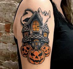 Daisy Tattoo Designs, Crow Tattoo Design, Tattoo Designs And Meanings, Irish Tattoos, Mom Tattoos, Cute Tattoos, Cute Halloween Tattoos, Spooky Tattoos, Haunted House Tattoo