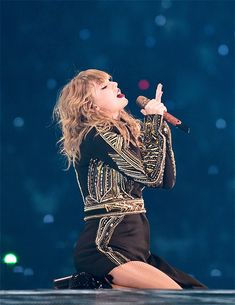 30 life lessons from Taylor Swift - JETTE Taylor Swift 壁紙, Estilo Taylor Swift, Taylor Swift Concert, Swift 3, Taylor Swift Pictures, Dating Divas, Sophia Bush, Post Baby Body, Amanda Seyfried