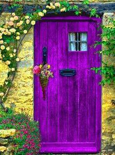 The Best DIY and Decor Place For You: What a beautiful purple door ... please leave the bouquet in the holder