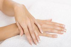 Datos curiosos sobre tus uñas y manos - http://www.bezzia.com/datos-curiosos-tus-unas-manos/