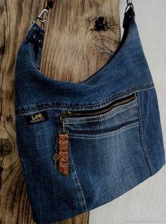 Купить или заказать Сумка джинсовая в интернет магазине на Ярмарке Мастеров. С доставкой по России и СНГ. Материалы: джинс, кожа натуральная, декоративные…. Размер: Высота 25 см по центральному шву<br /> …