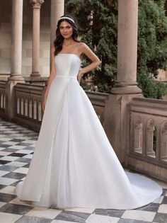 Fall in love with our CURTIS A-line wedding dress in mikado with a strapless neckline and open back. Discover the 2021 Cruise collection at our Pronovias stores Celebrity Wedding Dresses, Disney Wedding Dresses, Stunning Wedding Dresses, Rustic Wedding Dresses, Modest Wedding Dresses, Cheap Wedding Dress, Boho Wedding Dress, Bridal Dresses, Casual Wedding