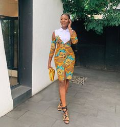 Latest Women's Ankara Styles-Volume 6 I am sure the average Nigerian, when woken up from sleep is party ready. These ankara styles for women are classy and gorgeous Unique Ankara Styles, Ankara Styles For Women, Ankara Dress Styles, Latest Ankara Styles, Ankara Gowns, Robes Ankara, Ankara Blouse, African Fashion Ankara, Latest African Fashion Dresses