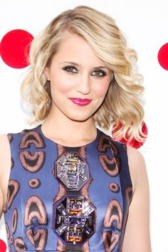 Dianna Agron's side-swept curls.