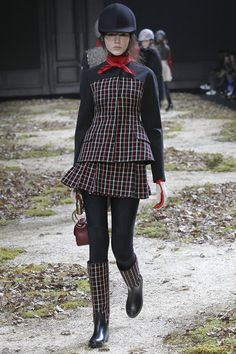 Moncler Gamme Rouge Fall 2015 RTW Runway – Vogue