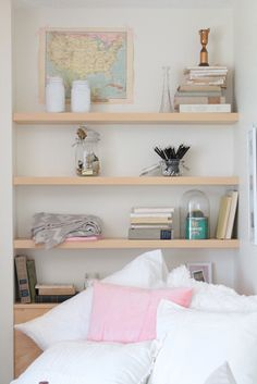 Decorating a Dorm Room for Under $500 IS possible!