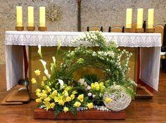 ==================================================================================... Tropical Flower Arrangements, Church Flower Arrangements, Tropical Flowers, Altar Flowers, Church Flowers, Table Flowers, Deco Floral, Art Floral, Floral Design