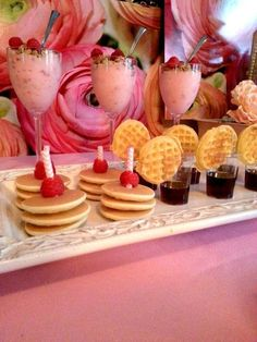 Love-It Soirees had fun creating this fun shabby chic inspired Tea Party Brunch, simple touches but still elegant Pancakes And Pajamas, Mini Pancakes, Snacks Für Party, Party Party, Mothers Day Brunch, Mothers Day Decor, Mothers Day Breakfast, High Tea, Sleepover Birthday Parties