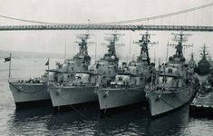 Tribal class destroyer escorts of the Royal Canadian Navy. Royal Canadian Navy, Canadian Army, Canadian History, Royal Navy, Navy Day, Capital Ship, Us Navy Ships, Armada, Submarines