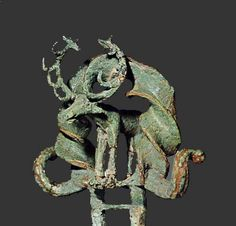 Alacahöyük - étendards rituels en forme de cerf ( bronze et or ) Hittite culture