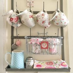Good morning everybody, have a lovely tuesday. #greengate#greengateofficial#kitchen