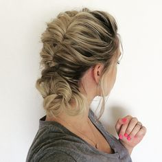 """Topsy Tail Hairstyle on my dirty hair today. Not too sure what my hand is doing here.  * * * UPDATE: This tutorial is now on my YouTube channel. Search """"Annies Forget Me Knots"""""""