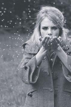 #Actriz | Dejamos atrás el invierno, pero jamás a Cara Delevingne www.beewatcher.es