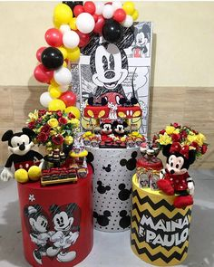 Linda festa mini table Mickey e Minnie. Opção para irmãos 😍😍😍 por @carolartesfestas Mickey Mouse Party Decorations, Mickey Mouse Parties, Mickey Party, Birthday Party Decorations, Mickey Mouse Clubhouse, Festa Mickey Baby, Mickey And Minnie Cake, Fiesta Mickey Mouse, Mickey 1st Birthdays