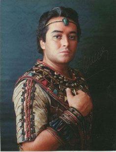 A young José Carreras as Radames #verdimuseum