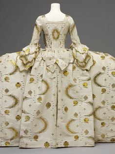 Mantua Place of origin: England, Great Britain (made) France (woven) Date: 1755-1760 (made) 1753-1755 (woven) Materials and Techniques: Silk, silver-gilt thread, linen thread, silk thread, hand-sewn Museum number: T.592:1 to 7-1993