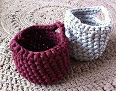 Gehaakte mandjes van textielgaren...baskets and free pattern!