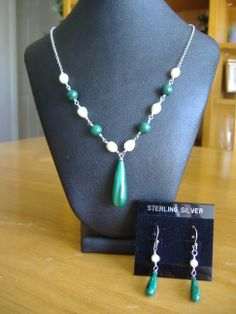 Sterling silver chain linked malachite & pearl necklace & earring set