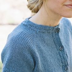No-Sew Cardi - top-down & seamless! Try it on as you knit for a perfect fit! http://ift.tt/1SM2Bd7 - - #knitting #knitstagram #knit #knittersofig #knittersoftheworld #knittersofinstagram #knitters #strikk #stricken #strikking #instastrikk #instaknit #seamlessknitting #topdownknitting #cardigan #greenmountainspinnery #caterpillarknits