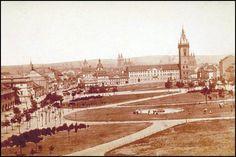Prague – Charles Square, 1871 Old Pictures, Old Photos, Prague Czech Republic, Colourful Buildings, Fairytale Castle, History Photos, Street Artists, Time Travel, Paris Skyline