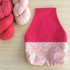 Joli sac rose à projet tricot ou crochet nomade - Pochon pour vos encours de la boutique AglaeLaser sur Etsy