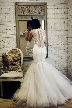 Oh the back!! Detailed wedding dress